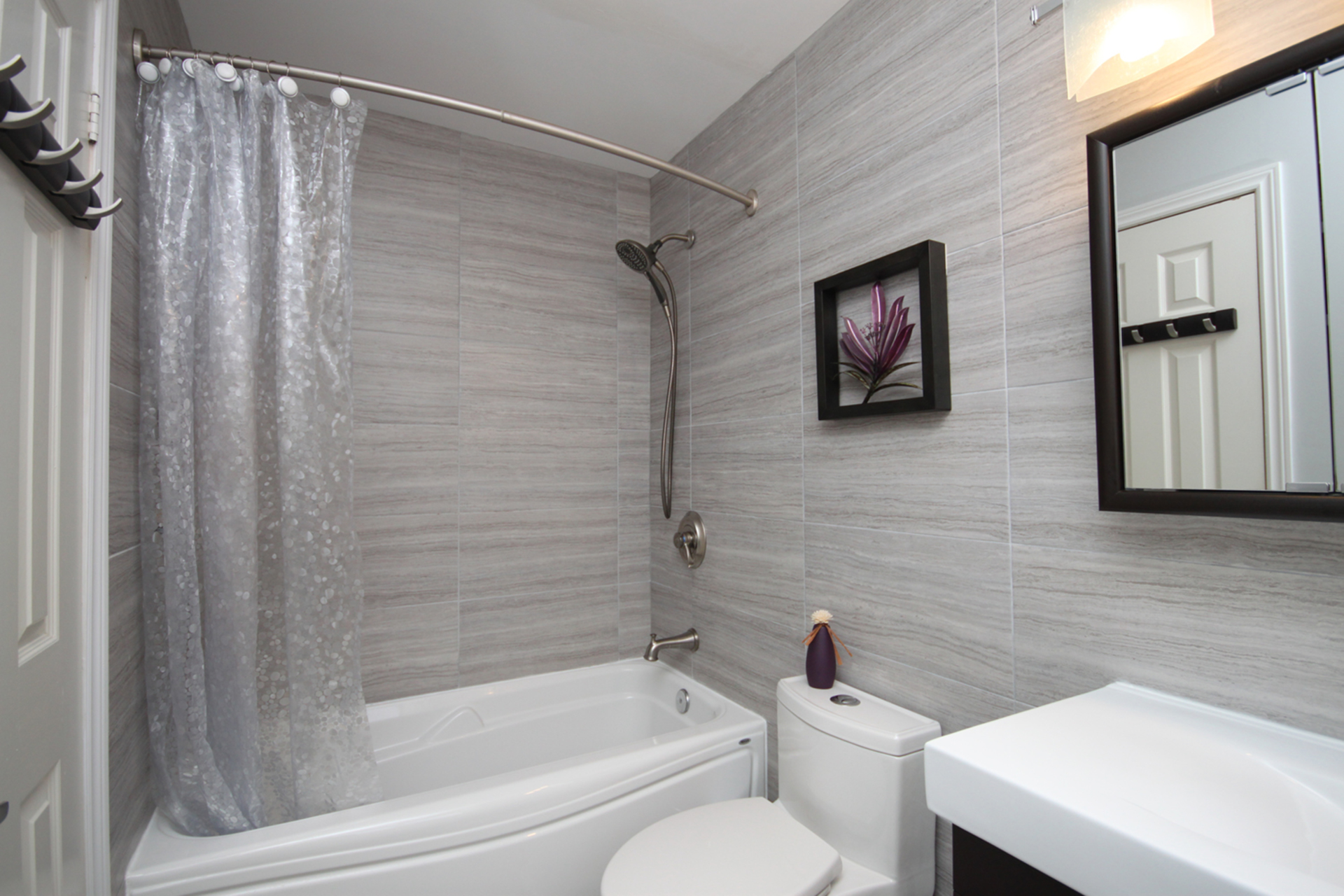 4 Piece Ensuite Bathroom at 14 Gretman Crescent, Aileen-Willowbrook, Markham
