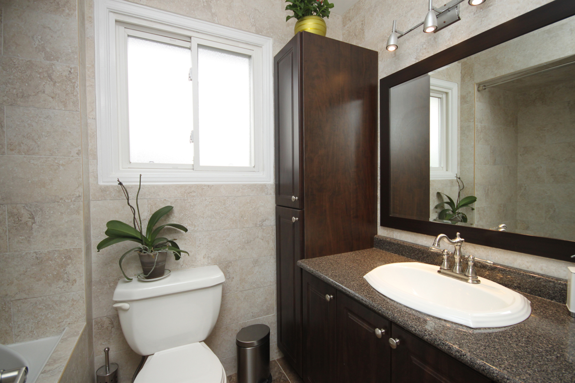 4 Piece Bathroom at 14 Gretman Crescent, Aileen-Willowbrook, Markham