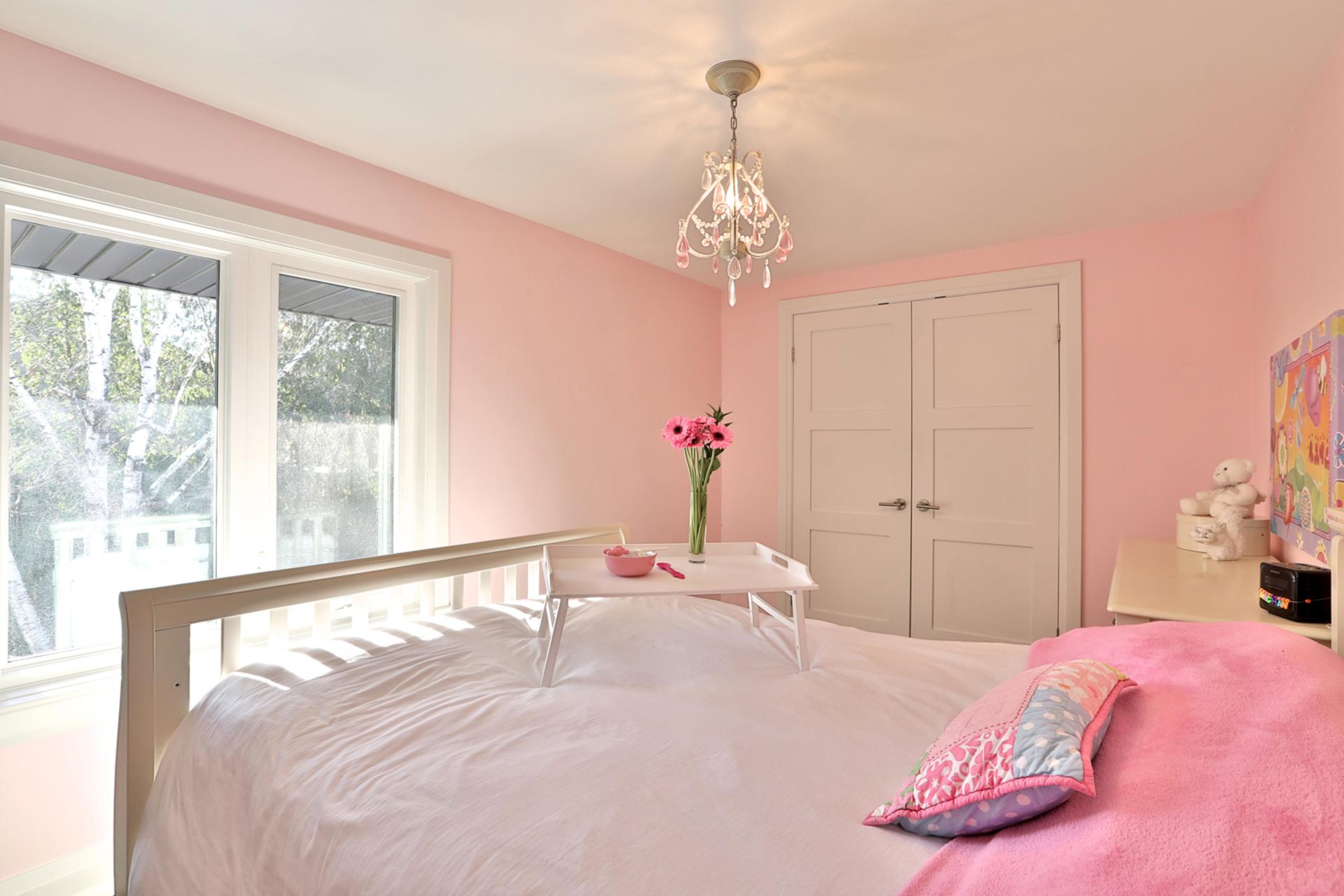 Bedroom at 2 Barnwood Court, Parkwoods-Donalda, Toronto
