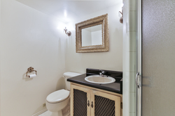 3 Piece Ensuite Bathroom at 28 Dukinfield Crescent, Parkwoods-Donalda, Toronto