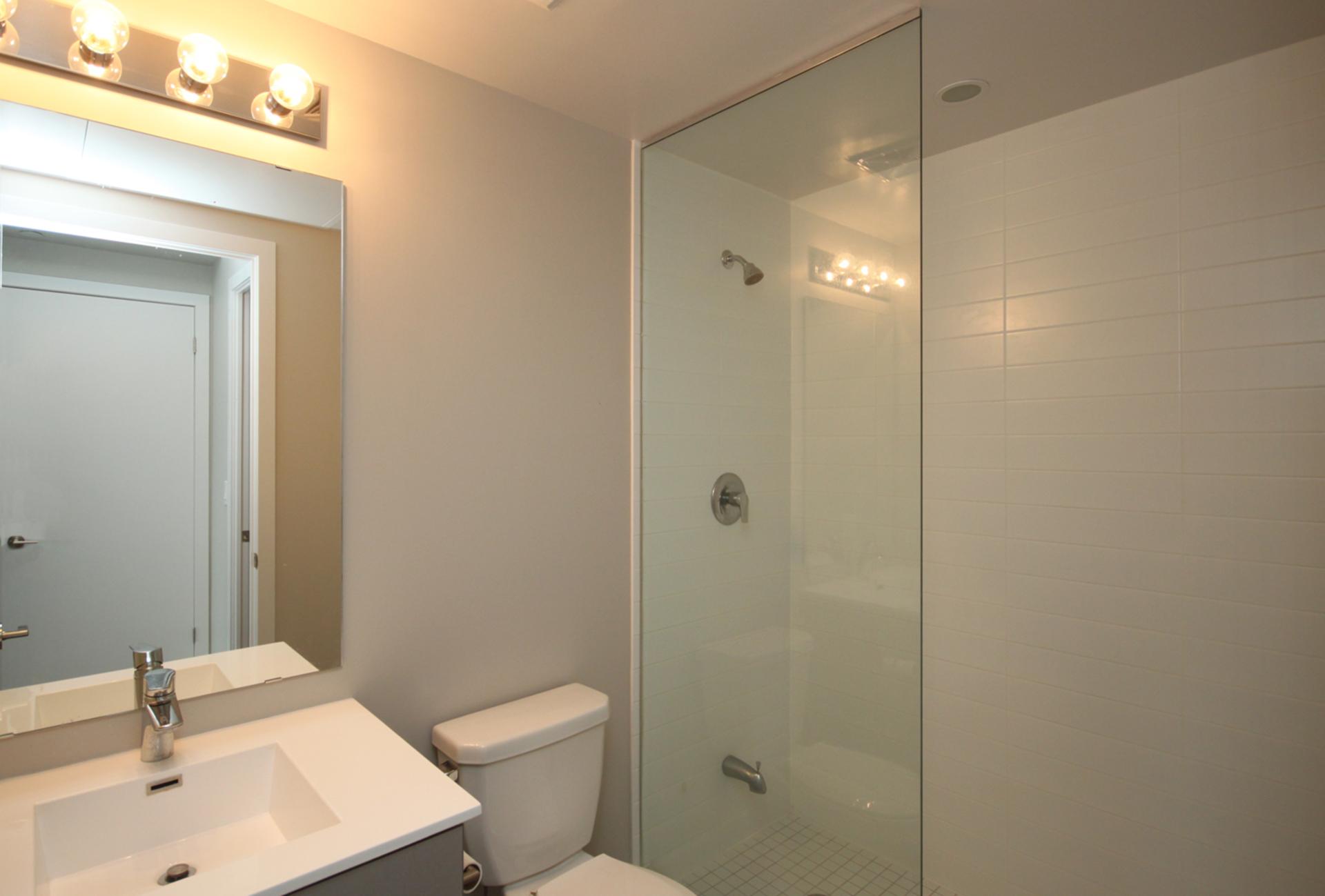 3 Piece Ensuite Bathroom at 507 - 60 Berwick Avenue, Yonge-Eglinton, Toronto