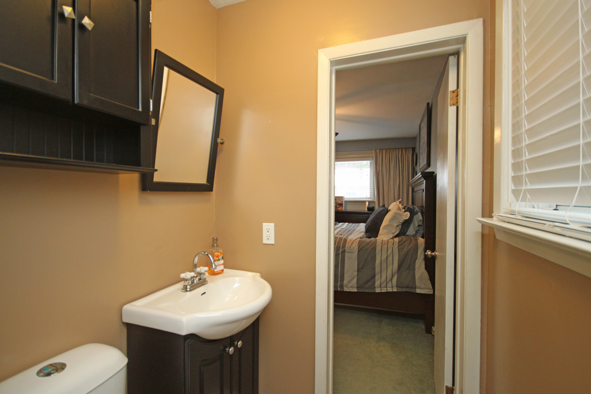 2 Piece Ensuite Bathroom at 53 Dukinfield Crescent, Parkwoods-Donalda, Toronto