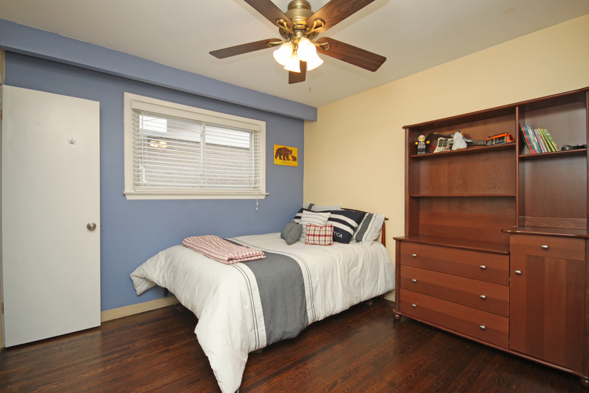Bedroom at 53 Dukinfield Crescent, Parkwoods-Donalda, Toronto
