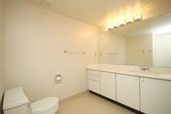 4 Piece Ensuite Bathroom at 337 - 40 Oaklands Avenue, Yonge-St. Clair, Toronto