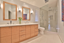4 Piece Ensuite Bathroom at 8 Parmbelle Crescent, Parkwoods-Donalda, Toronto
