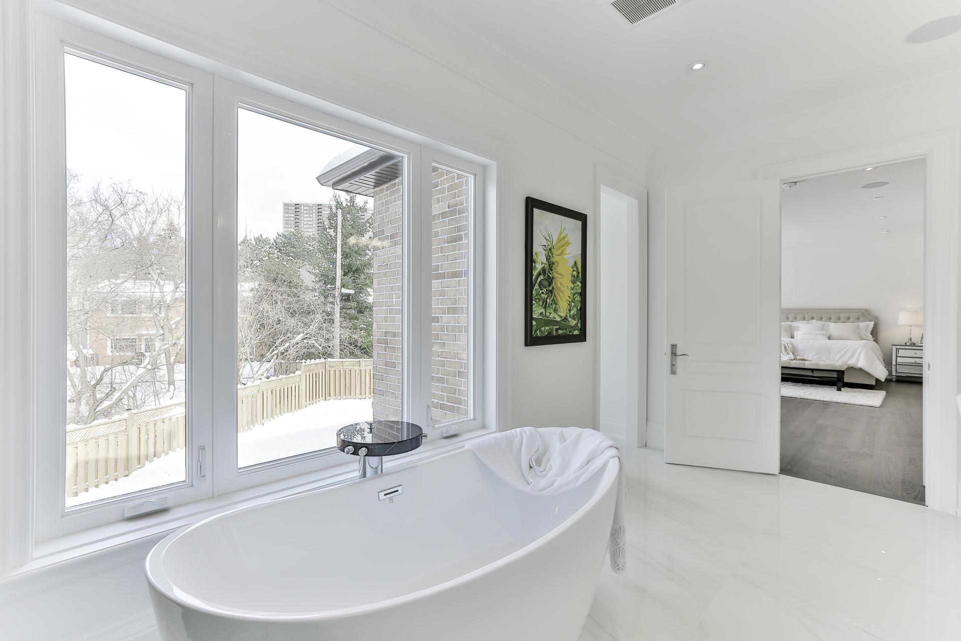 6 Piece Ensuite Bathroom at 36 Laurentide Drive, Parkwoods-Donalda, Toronto