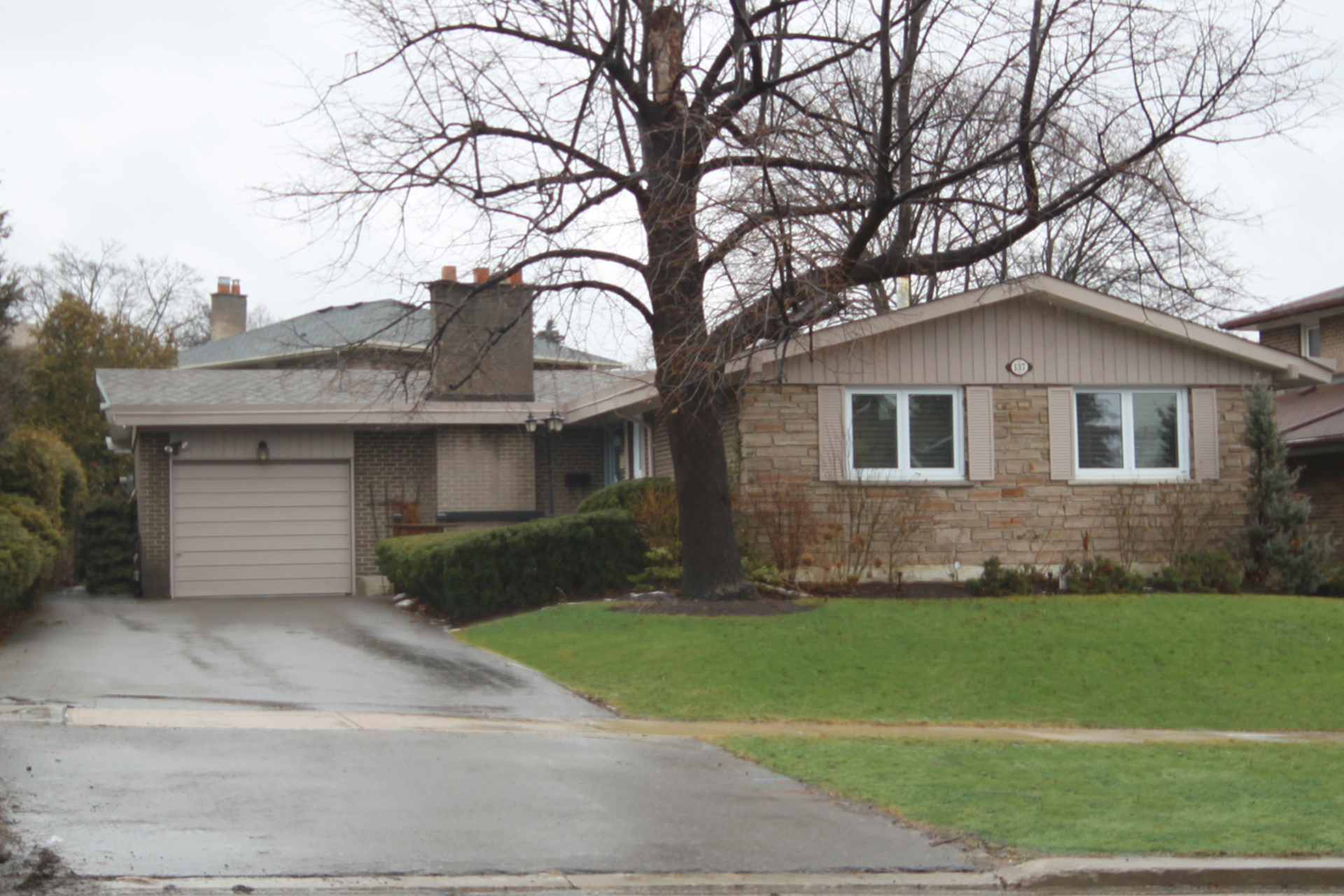 Front at 137 Underhill Drive, Parkwoods-Donalda, Toronto