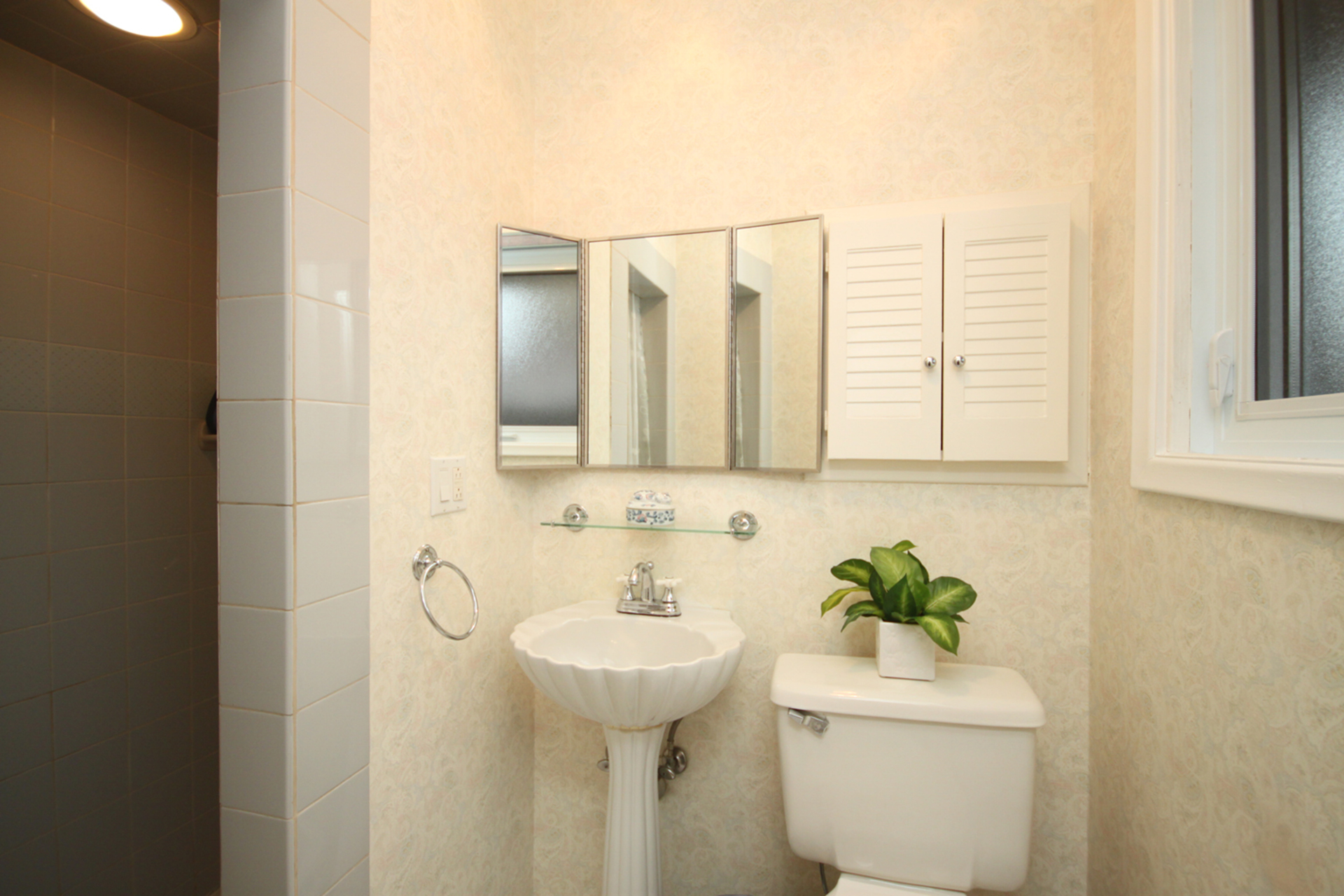 3 Piece Ensuite Bathroom at 137 Underhill Drive, Parkwoods-Donalda, Toronto
