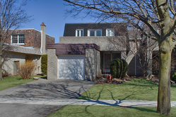 Front at 17 Redwillow Drive, Parkwoods-Donalda, Toronto