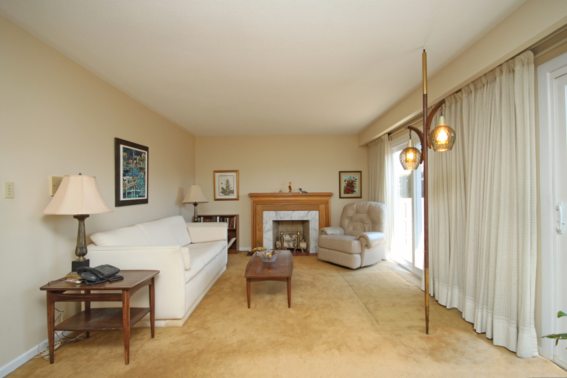 Living Room at 17 Redwillow Drive, Parkwoods-Donalda, Toronto