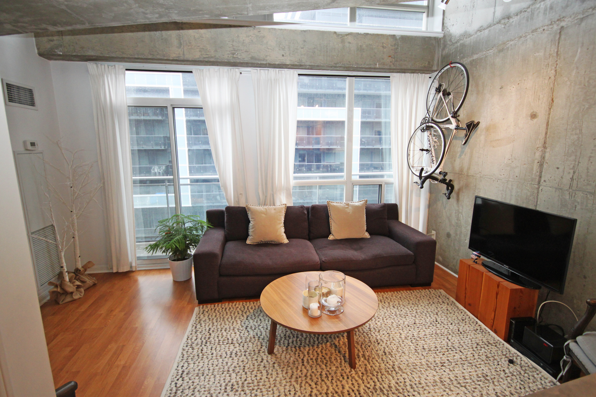 Living Room at 811 - 1029 King Street W, Niagara, Toronto