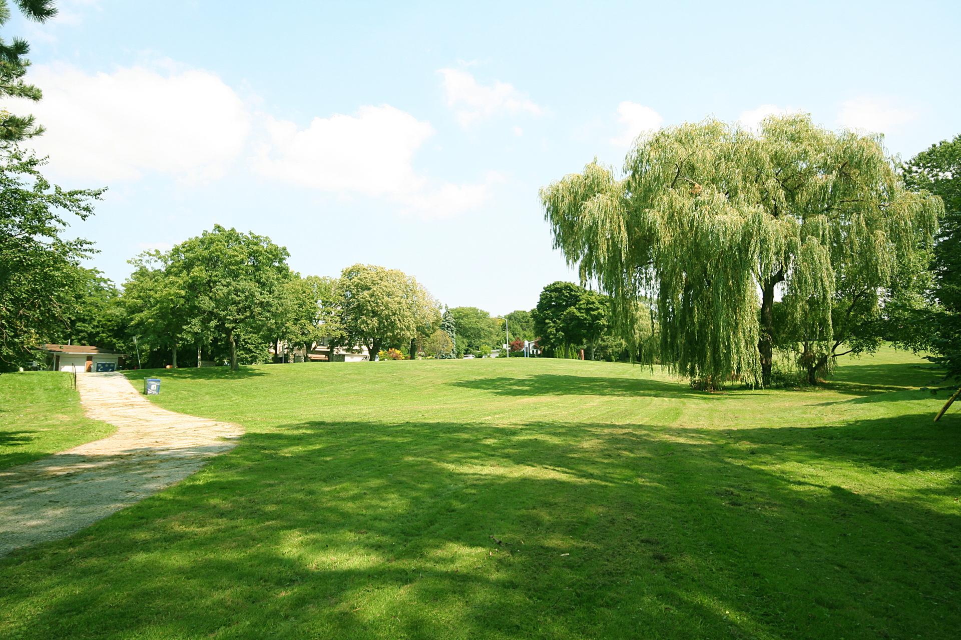 Park at 2 Alvarado Place, Parkwoods-Donalda, Toronto