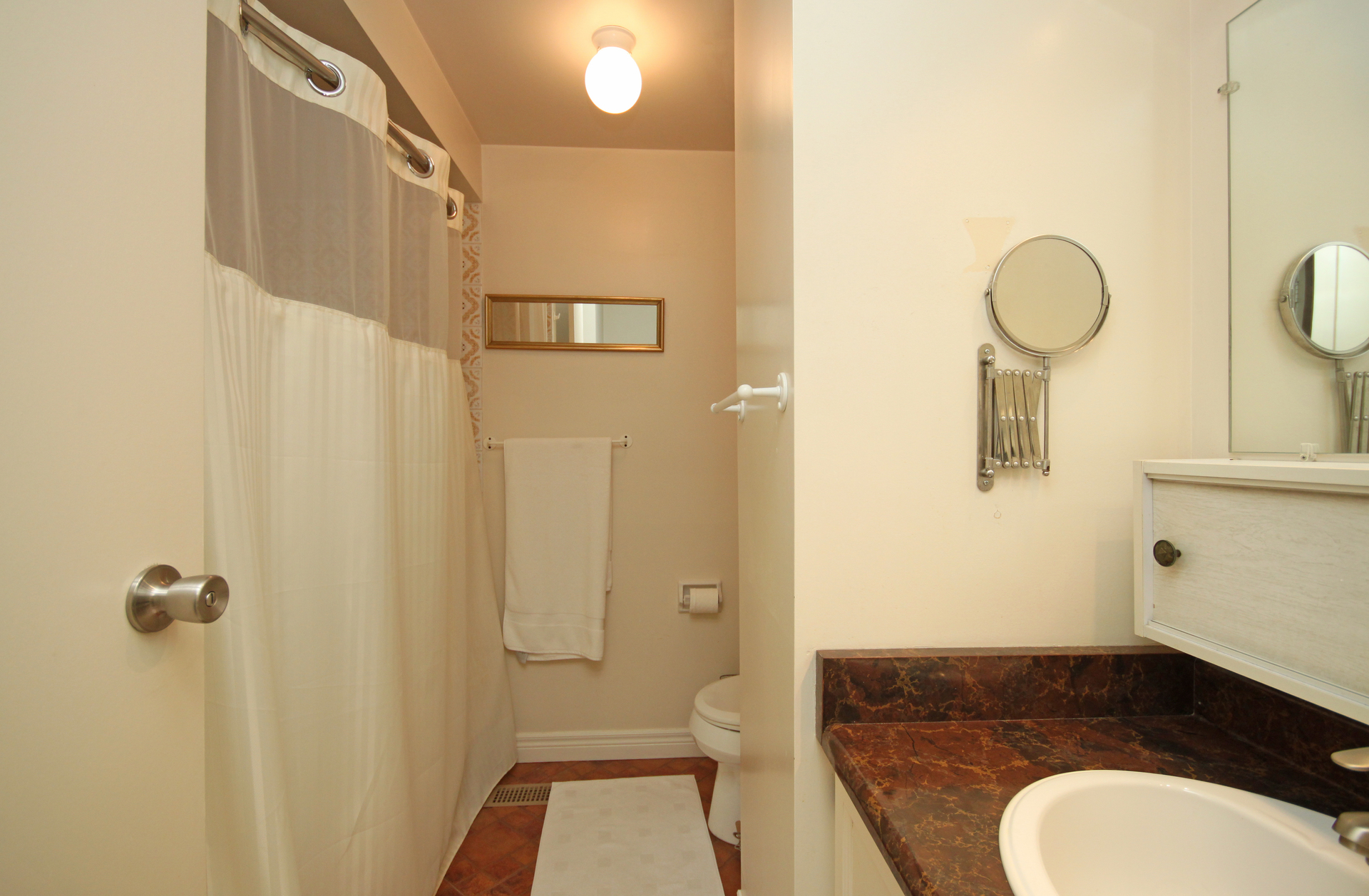 4 Piece Semi-Ensuite Bathroom at 28 Dutch Myrtle Way, Banbury-Don Mills, Toronto