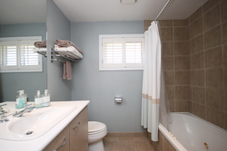 4 Piece Bathroom at 97 Castlegrove Boulevard, Parkwoods-Donalda, Toronto