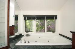 4 Piece Ensuite Bathroom at 9 Waxwing Place, Banbury-Don Mills, Toronto