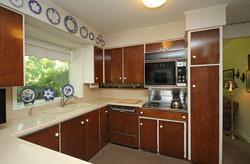Kitchen at 9 Sandpiper Court, Parkwoods-Donalda, Toronto