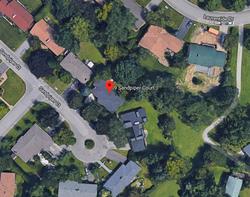 Aerial at 9 Sandpiper Court, Parkwoods-Donalda, Toronto
