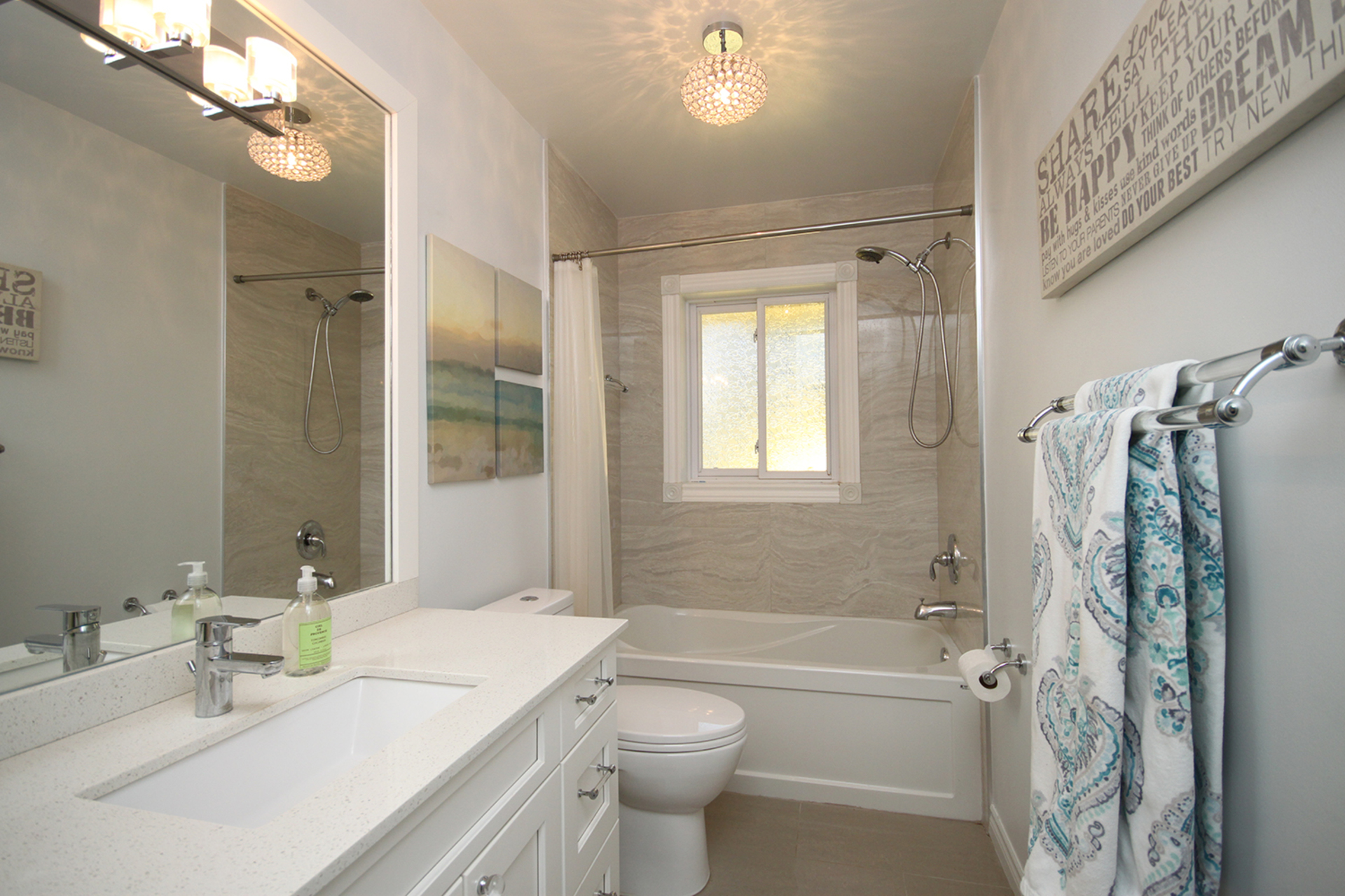 4 Piece Bathroom at 25 Dunlace Drive, St. Andrew-Windfields, Toronto