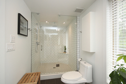 4 Piece Ensuite Bathroom at 15 Brushwood Court, Parkwoods-Donalda, Toronto