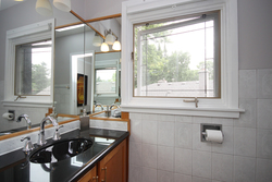 2 Piece Ensuite Bathroom at 15 Brushwood Court, Parkwoods-Donalda, Toronto