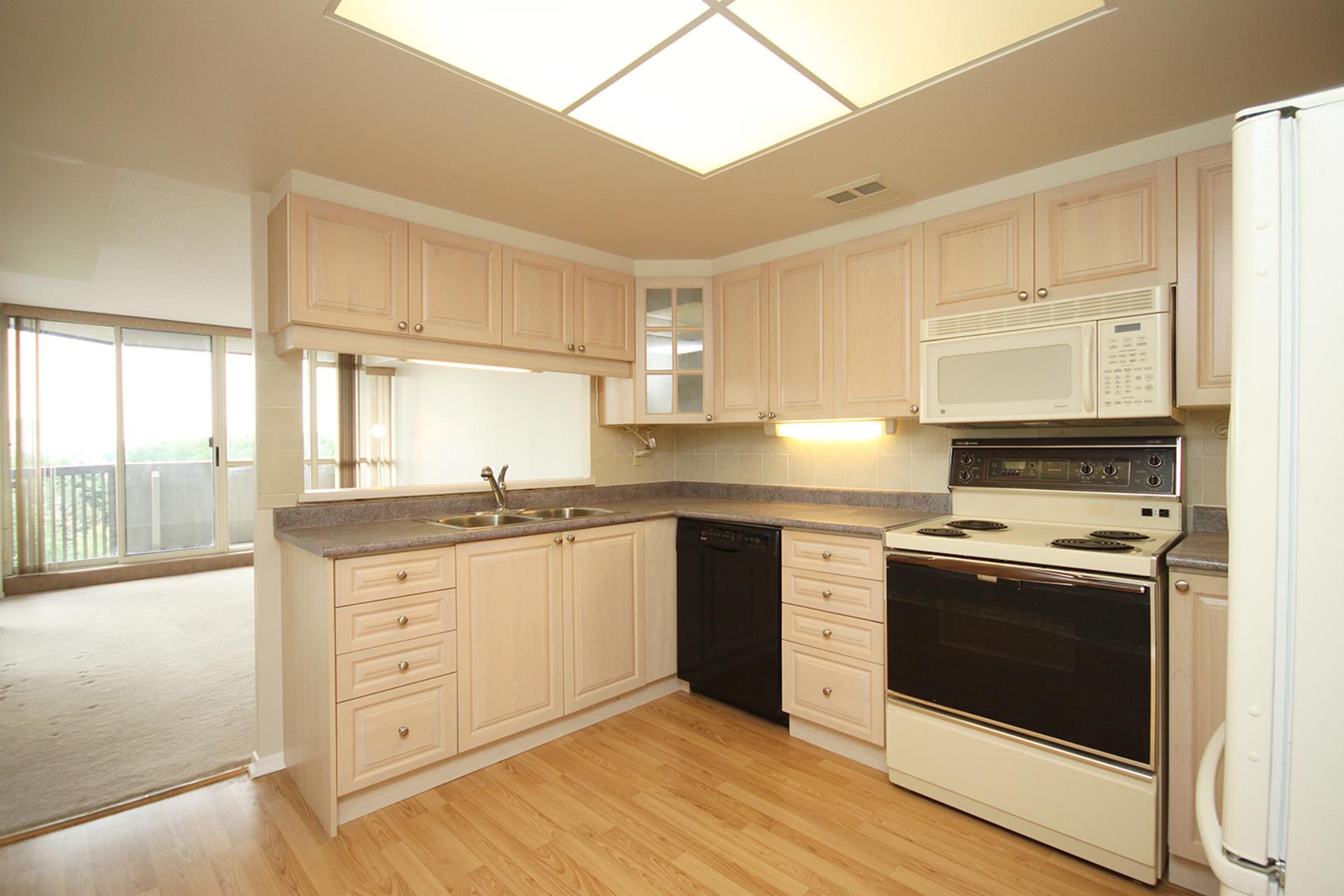 Kitchen at 606 - 275 Bamburgh Circle, Steeles, Toronto