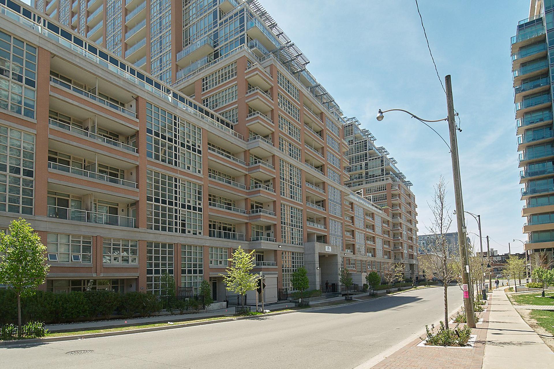 Front at 421 - 75 East Liberty Street, Niagara, Toronto