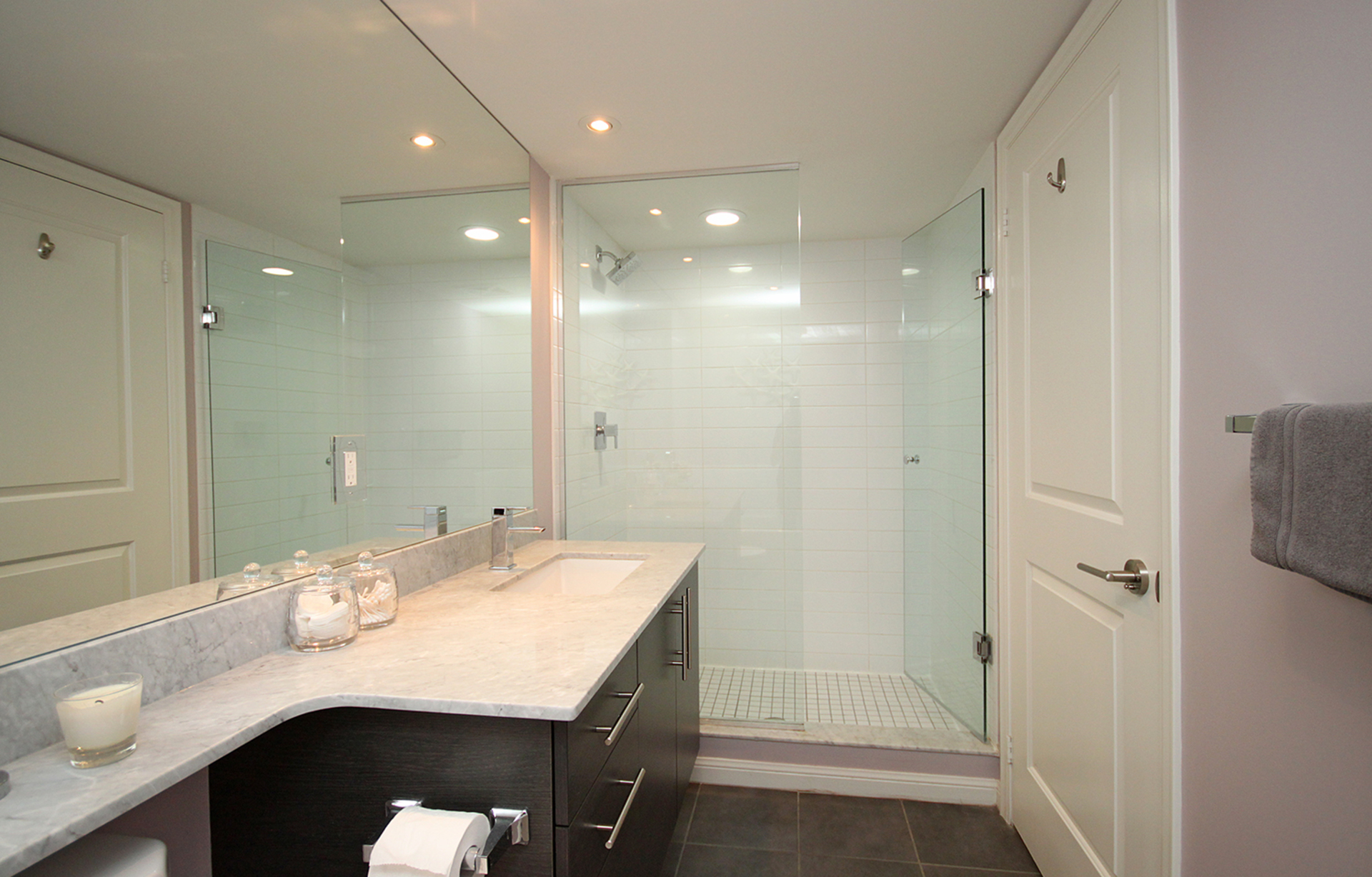 4 Piece Ensuite Bathroom at 421 - 75 East Liberty Street, Niagara, Toronto