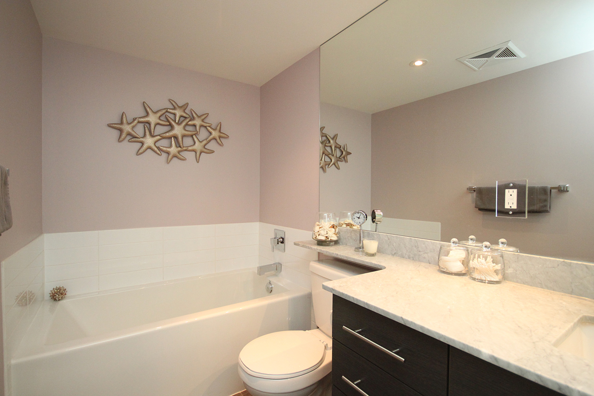 4 Piece Ensuite Bathroom at 421 - 75 East Liberty Street, Niagara, Toronto
