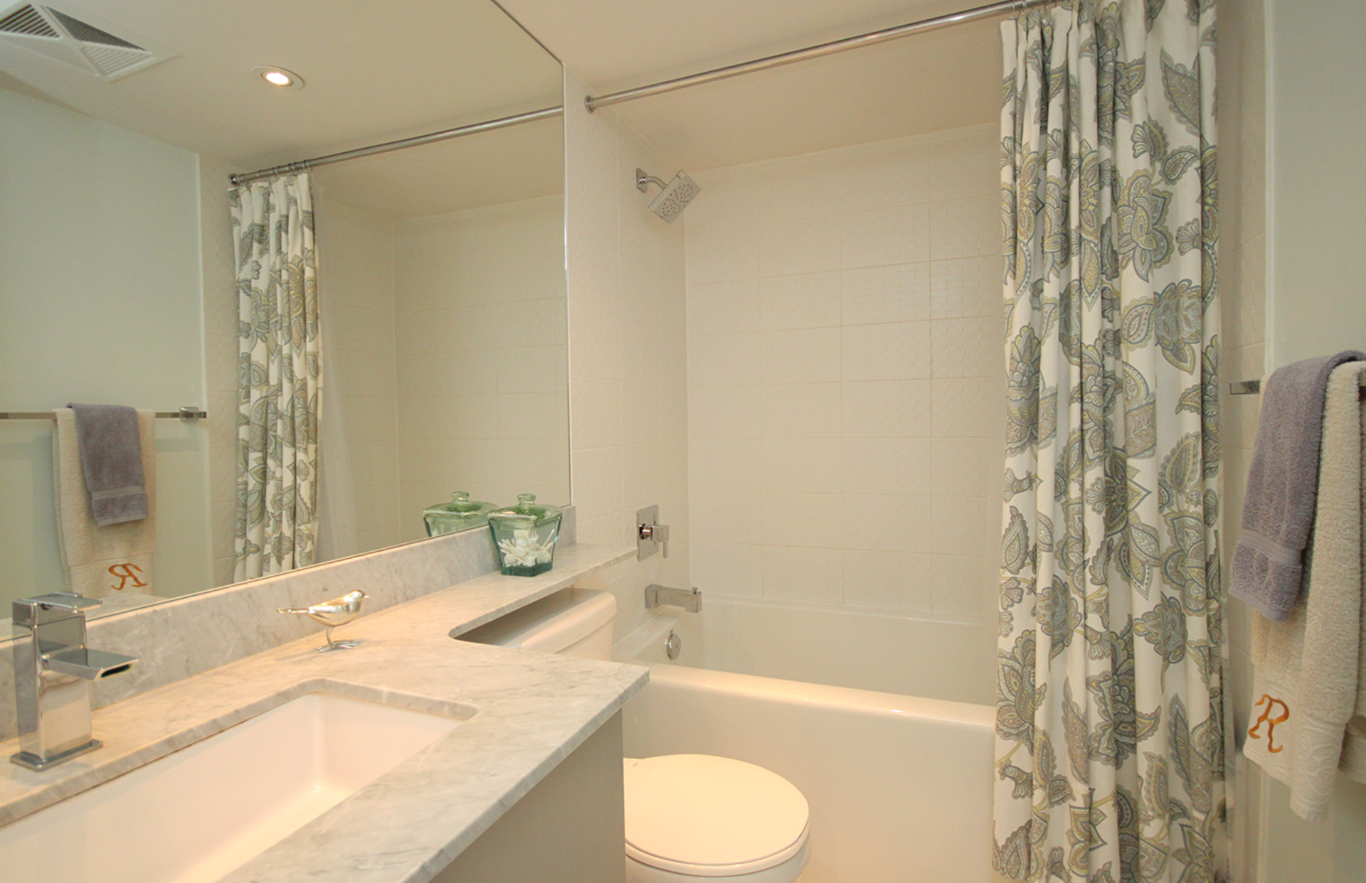4 Piece Bathroom at 421 - 75 East Liberty Street, Niagara, Toronto