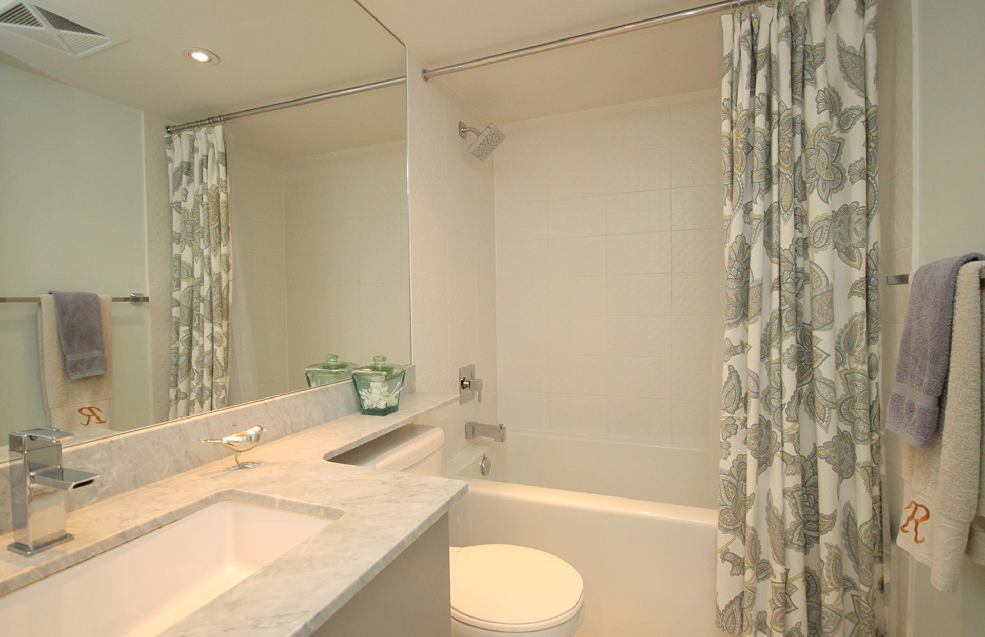 4 Piece Bathroom at 421 - 75 East Liberty Street, Niagara, Toronto
