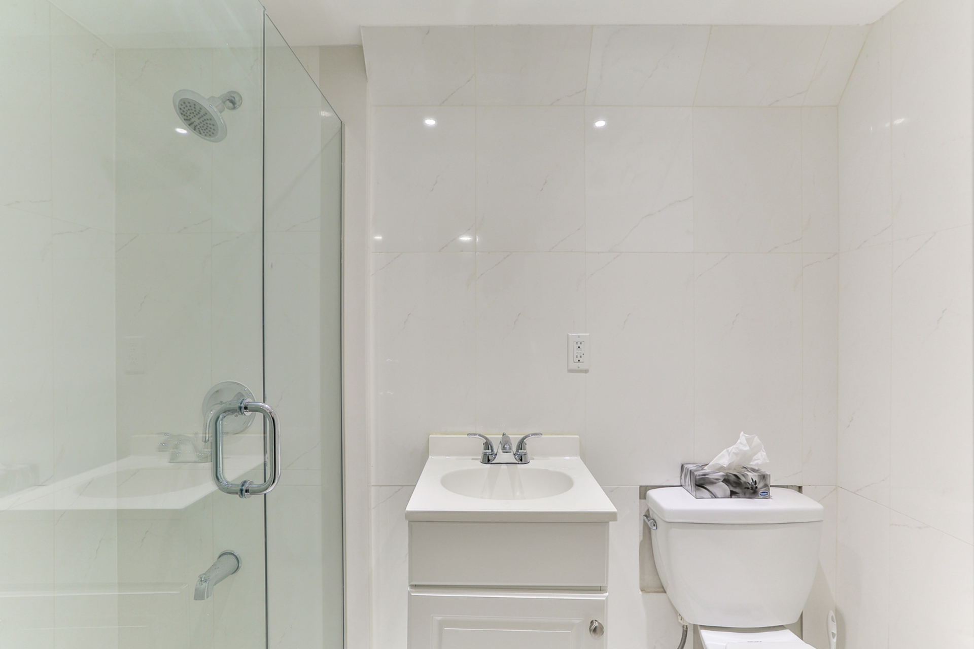 3 Piece Bathroom at 39 Olsen Drive, Parkwoods-Donalda, Toronto
