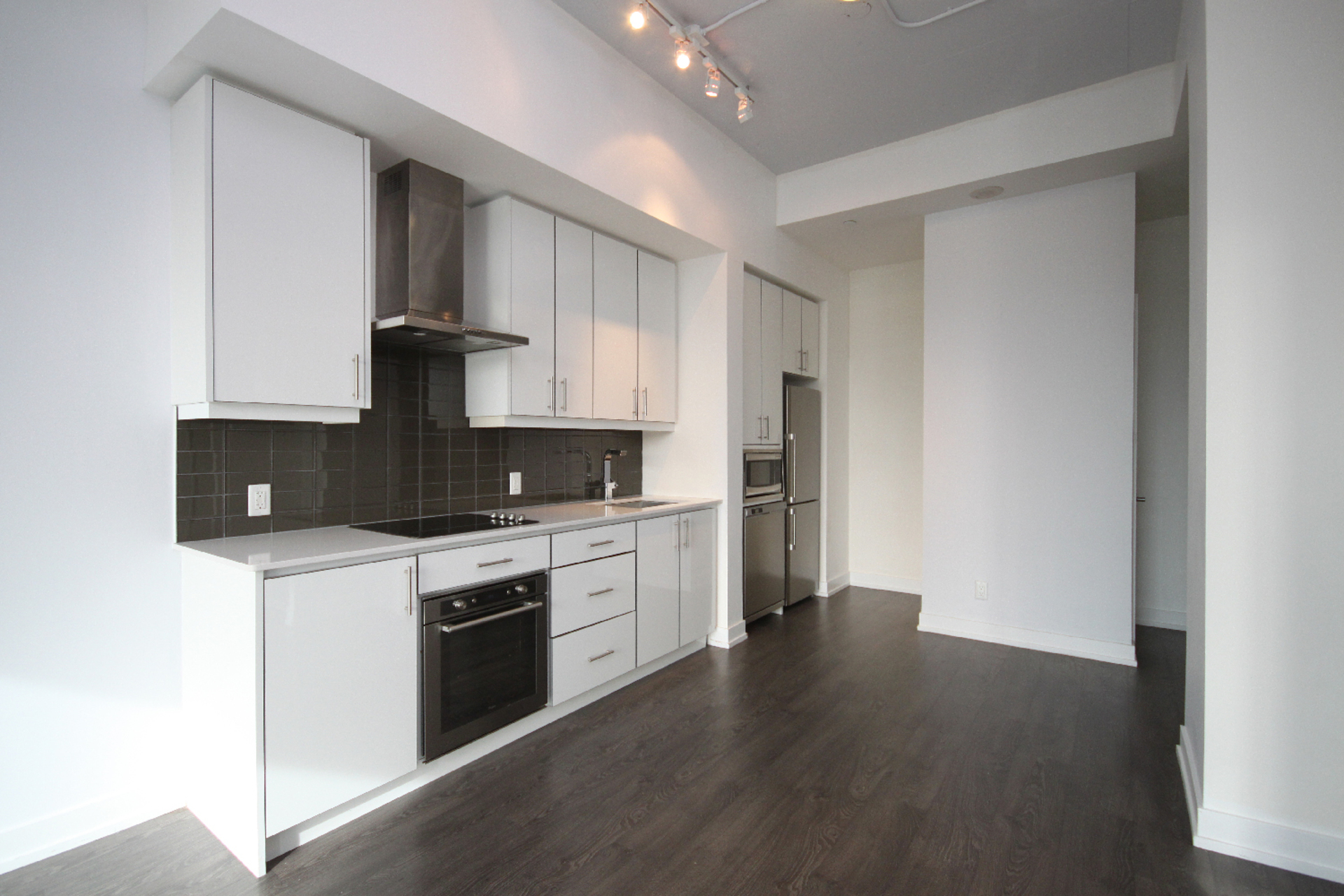 Kitchen at 409 - 75 The Donway West, Banbury-Don Mills, Toronto