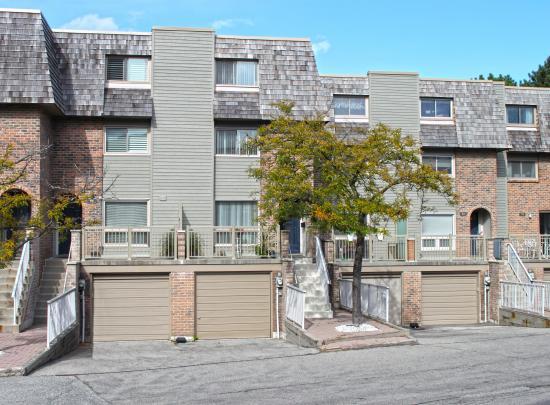 93 Dutch Myrtle Way, Banbury-Don Mills, Toronto 2