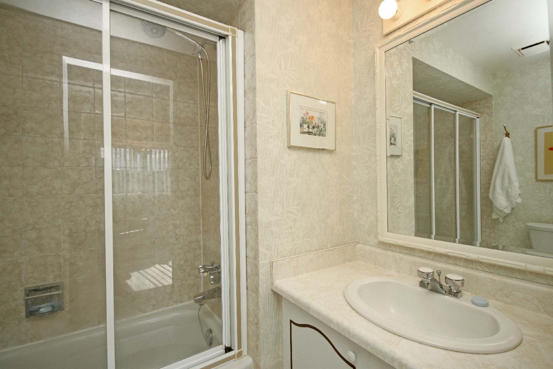 4 Piece Ensuite Bathroom at 93 Dutch Myrtle Way, Banbury-Don Mills, Toronto
