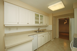 Kitchen at 319 - 3800 Yonge Street, Bedford Park-Nortown, Toronto