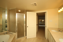 5 Piece Ensuite Bathroom at 319 - 3800 Yonge Street, Bedford Park-Nortown, Toronto