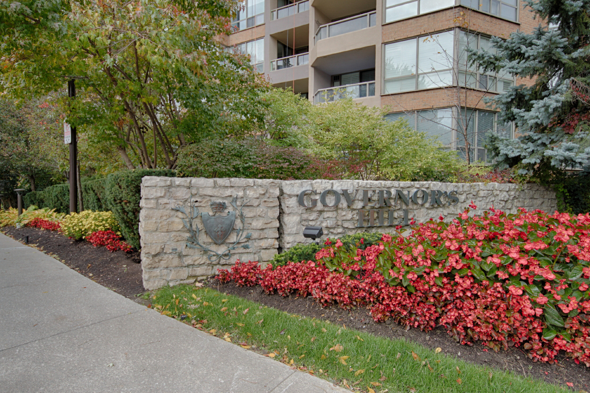 Front at 319 - 3800 Yonge Street, Bedford Park-Nortown, Toronto