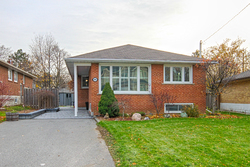 Front at 9 Coral Cove Crescent, Parkwoods-Donalda, Toronto