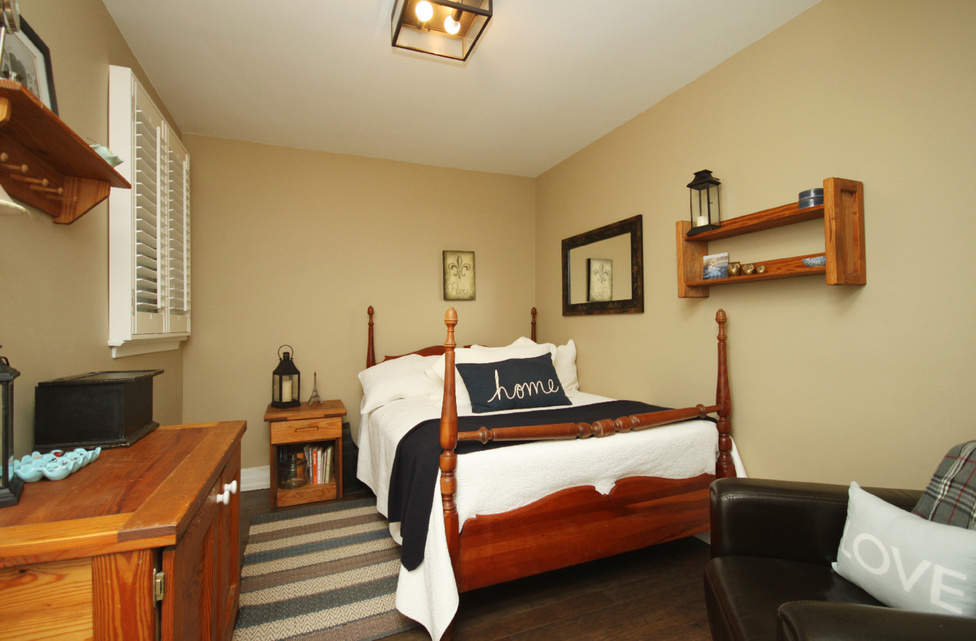 Bedroom at 9 Coral Cove Crescent, Parkwoods-Donalda, Toronto