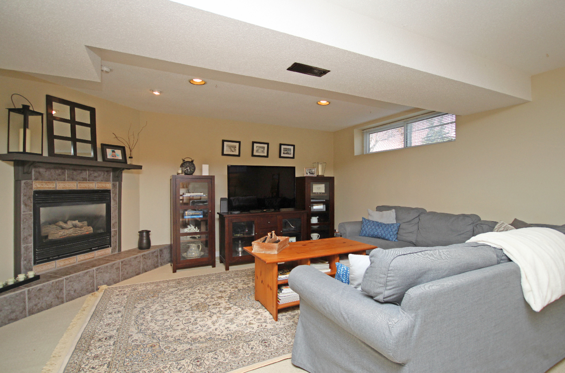 Recreation Room at 9 Coral Cove Crescent, Parkwoods-Donalda, Toronto