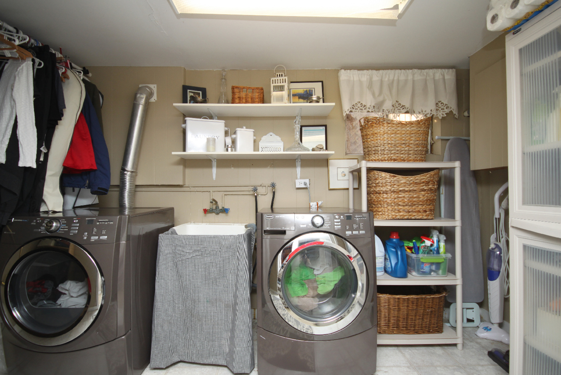 Laundry Room at 9 Coral Cove Crescent, Parkwoods-Donalda, Toronto