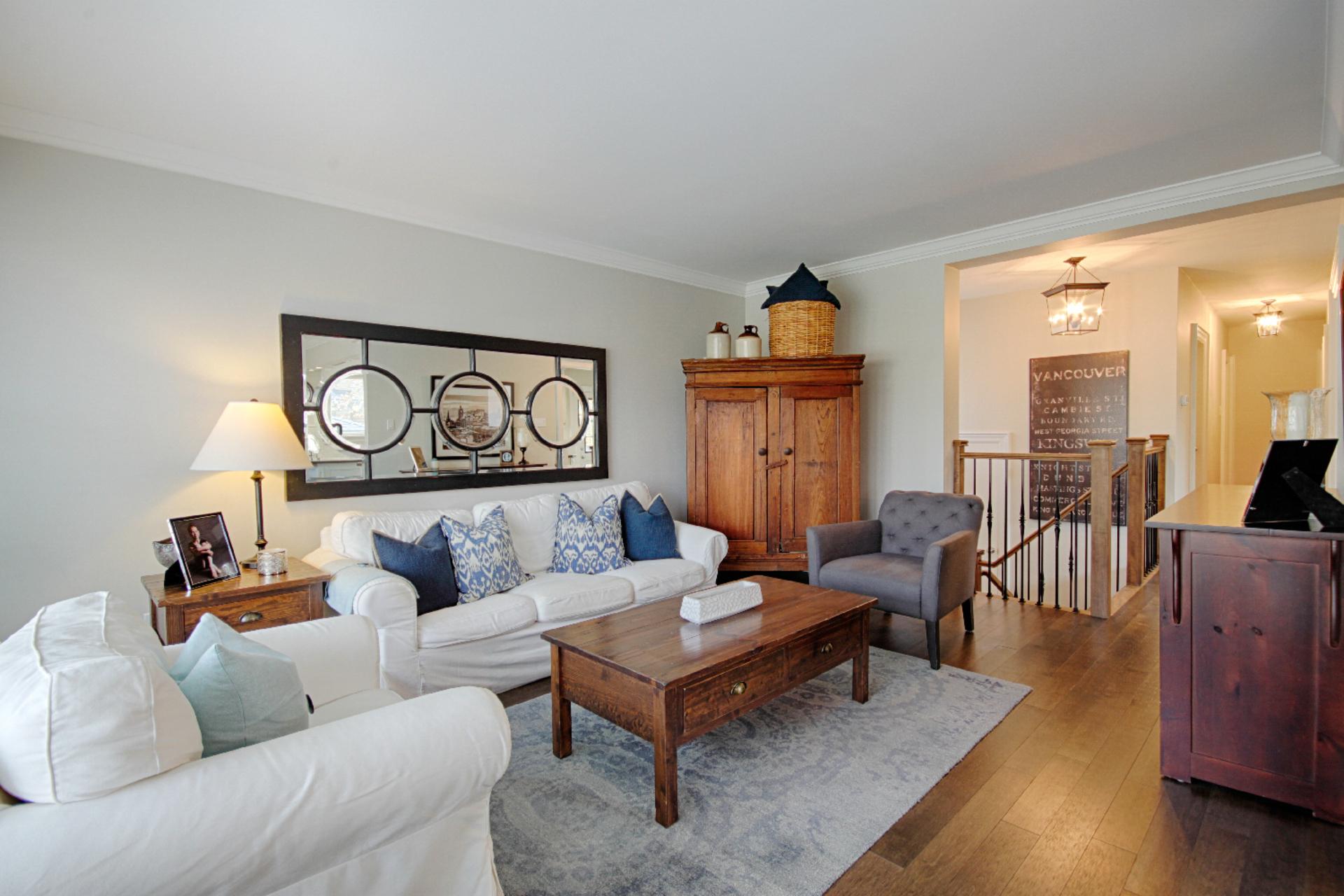 Living Room at 9 Coral Cove Crescent, Parkwoods-Donalda, Toronto