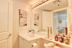 4 Piece Bathroom at 401 - 760 W Sheppard Avenue, Bathurst Manor, Toronto
