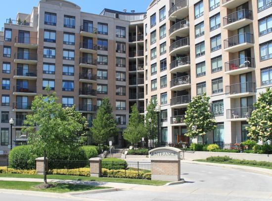 510 - 16 Dallimore Circle, Banbury-Don Mills, Toronto 2