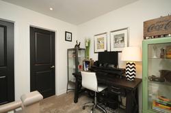 Den at 114 - 2320 Gerrard Street E, East End-Danforth, Toronto
