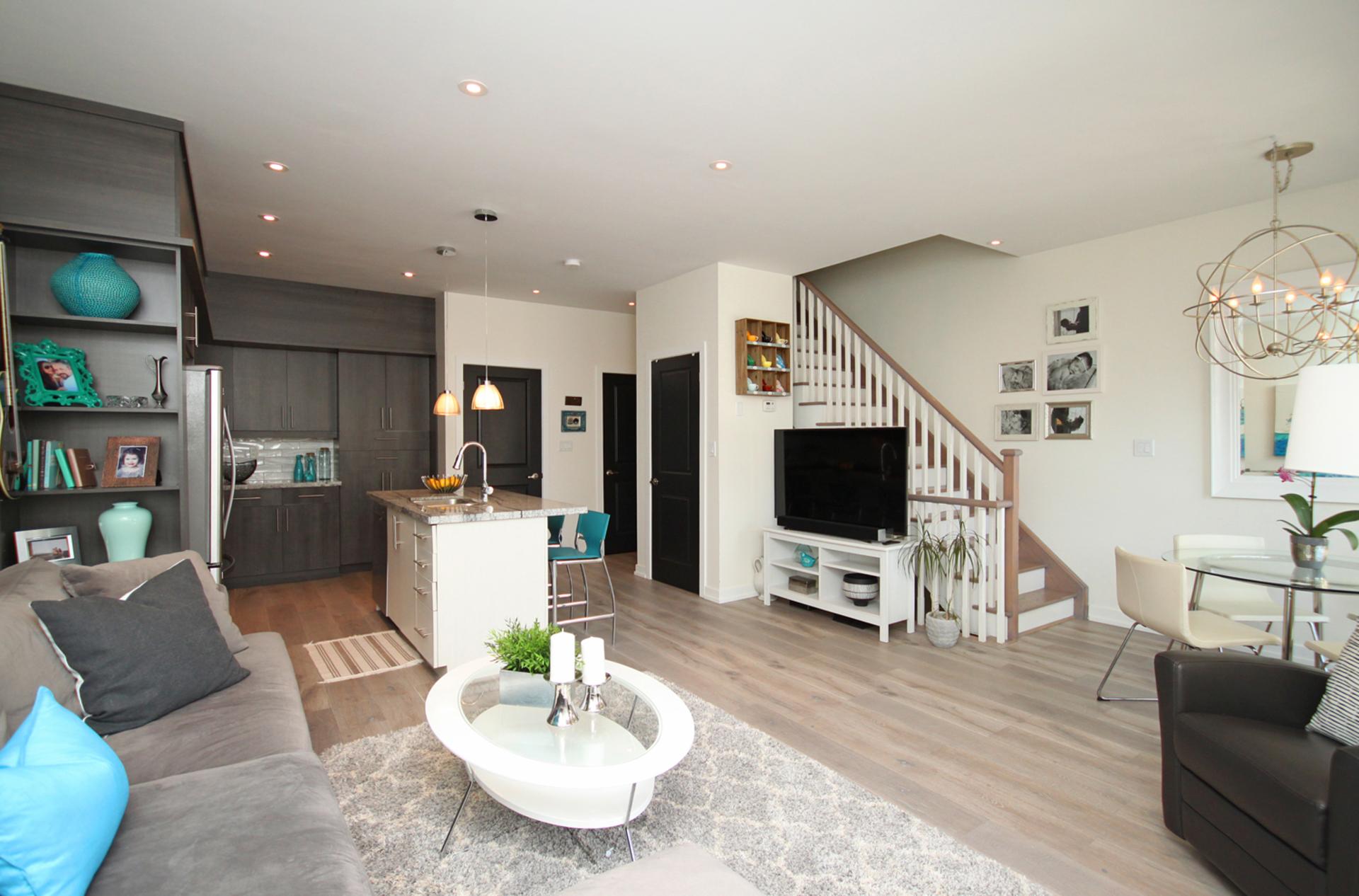 Kitchen, Living & Dining Room at 114 - 2320 Gerrard Street E, East End-Danforth, Toronto