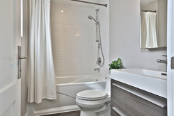 4 Piece Bathroom at 50 Hopperton Drive, St. Andrew-Windfields, Toronto