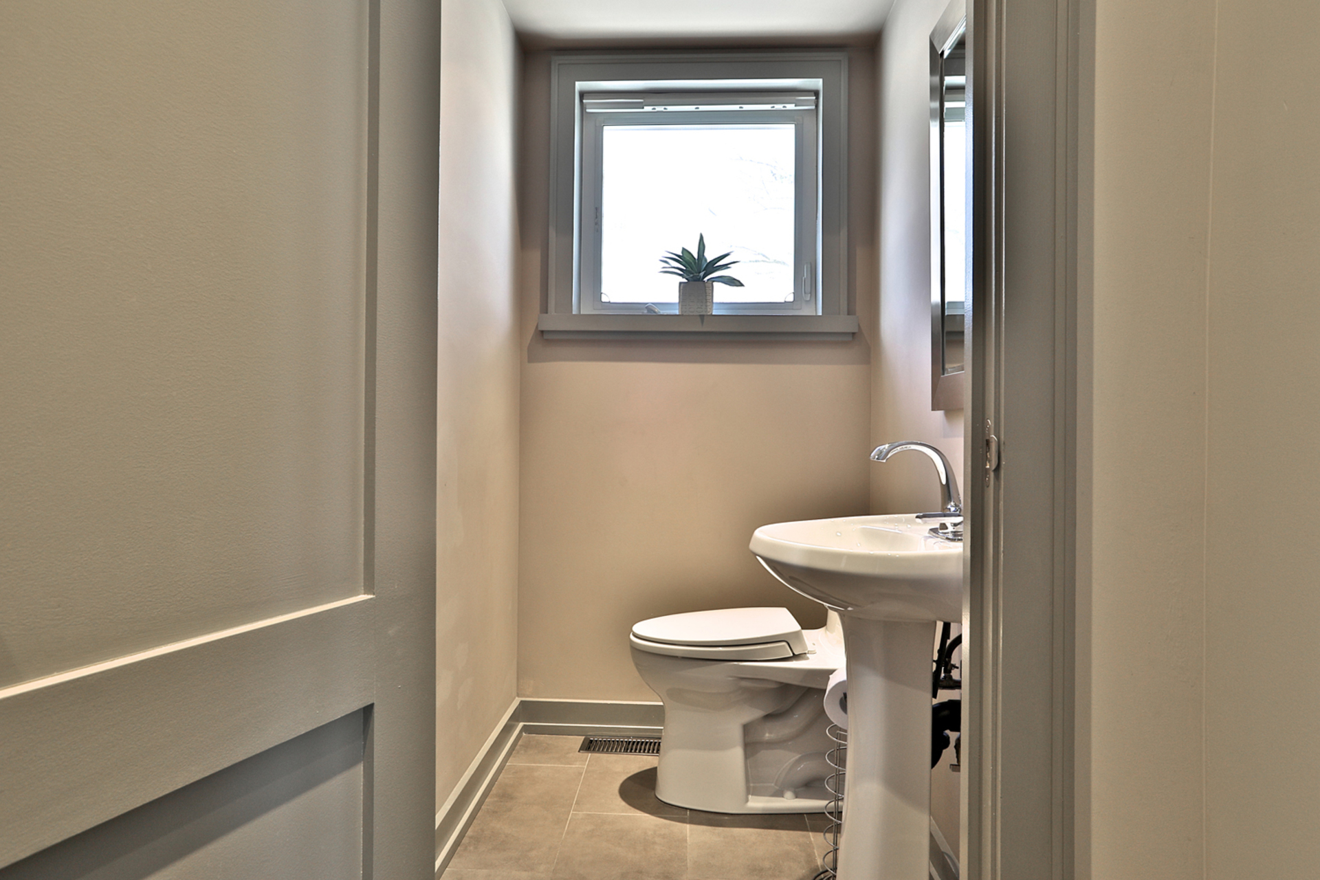 2 Piece Bathroom at 50 Hopperton Drive, St. Andrew-Windfields, Toronto