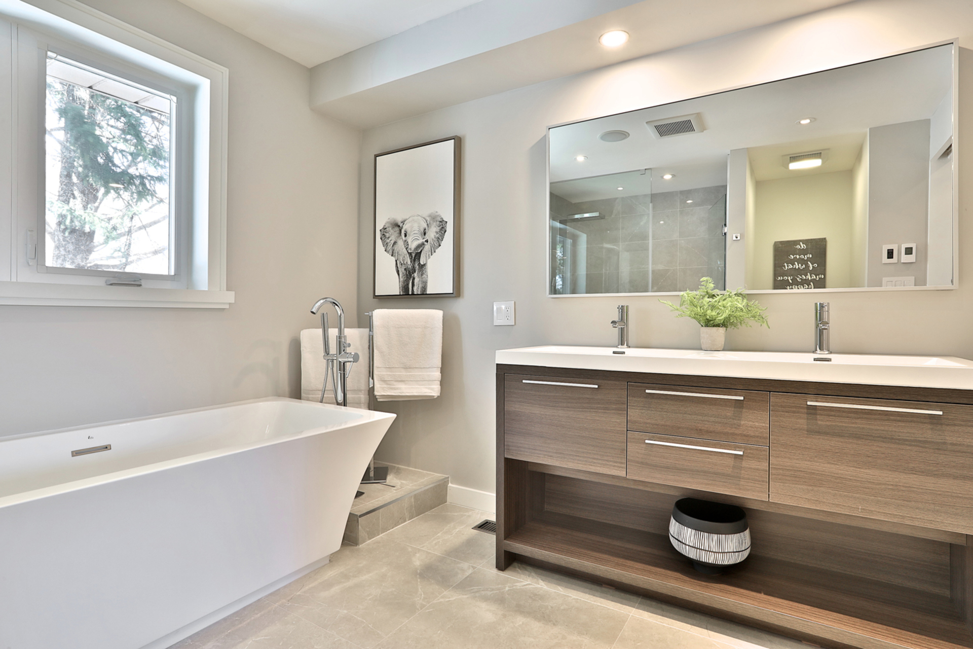 5 Piece Ensuite Bathroom at 50 Hopperton Drive, St. Andrew-Windfields, Toronto