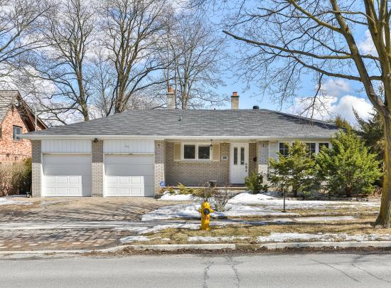111 Bannatyne Drive, St. Andrew-Windfields, Toronto 2